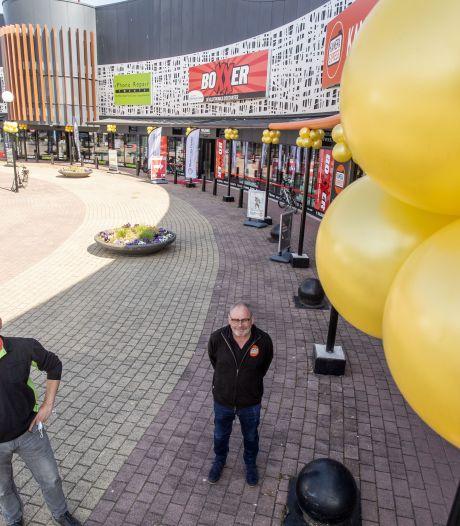 Feestje op Woonboulevard in Almelo: 'Eindelijk kunnen bezoekers ongestoord langskomen'