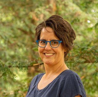 Angela Strubbe, coördinator van GezinsBuddy, zoekt naarstig naar nieuwe vrijwilligers voor de stichting.