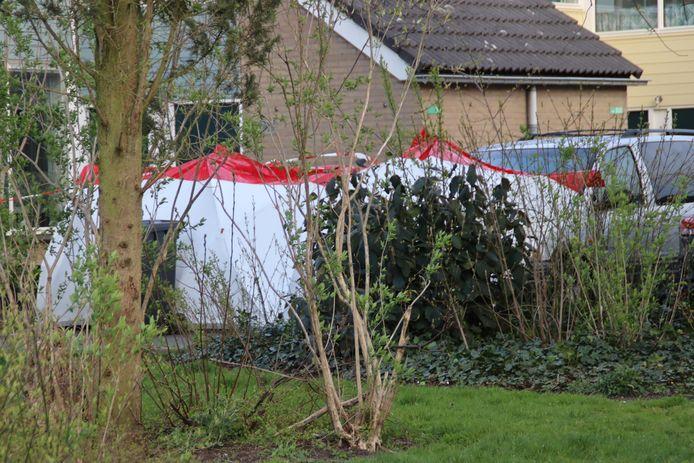 Aan de Duivenkamp in Maarssen is vanavond een overleden persoon aangetroffen.