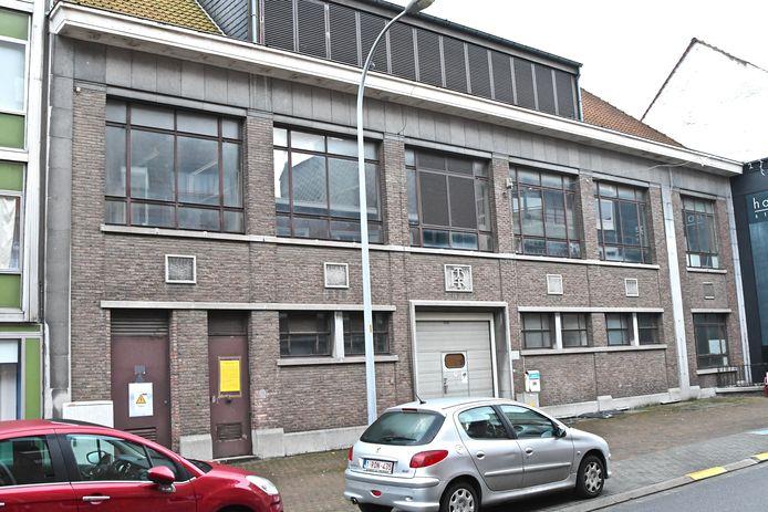 Er worden o.a. verhalen gezocht van het vroegere RTT-gebouw in de Kortrijkstraat.