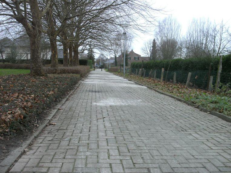 Fietswegje achter gemeentehuis Grembergen kreeg opknapbeurt.