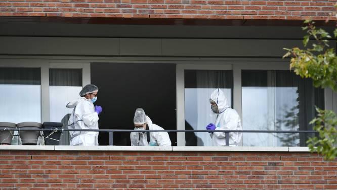 Bewoners Spieghelhof willen duidelijkheid over dood moeder (67) en dochter (38) in complex, politie weerspreekt aanhouding