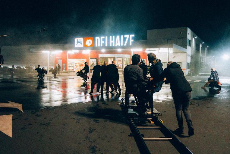 Dinsdagnacht werden buitenopnames gemaakt voor de film van Baba Yega op de parking van AD Delhaize in Poperinge. Vrijdagnacht staan binnenopnames op de agenda.