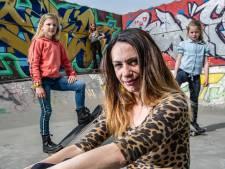 Skaten is in Twello al lang niet meer alleen voor jongens: 'Meiden rocken net zo hard op een skateboard'