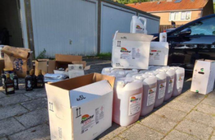 De NVWA nam een flinke hoeveelheid landbouwgif in beslag in Flevoland.