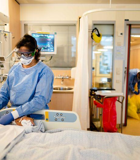 Aantal coronagevallen in Nederland kruipt richting half miljoen