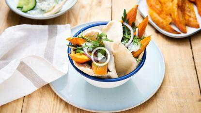 Ja, veggie pita kan heerlijk zijn! Probeer deze Griekse versie met zoete aardappel en tzatziki