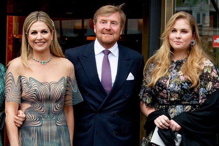 Koninklijke familie komt aan bij Carre in verband met de TV opnamen van 'Koningin Maxima een leven vol Muziek' Beeld Brunopress/Patrick van Emst