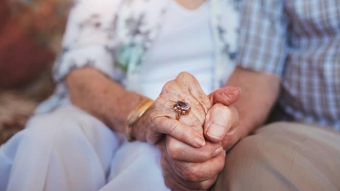 Gentse vrouw (86) jarenlang opgelicht door 'vriend' aan huis: man (60) moet haar 94.300 euro terugbetalen