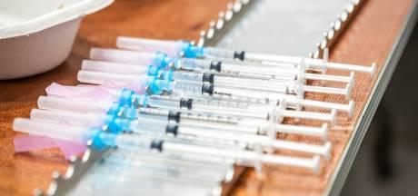 Vaccineren in instellingen met mobiele huisartsenposten volgende week van start: 'Een complexe opgaaf'
