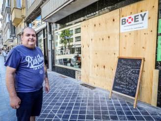 """Racende jongeren knallen in gevel van tearoom: """"Pas open na maandenlange sluiting"""""""
