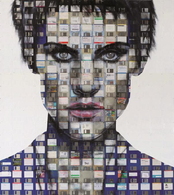 Foto van De recyclagekunst van Nick Gentry: portretten met floppydisks