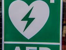 Oudendijk in Standdaarbuiten heeft bedrag binnen voor aanschaf van AED