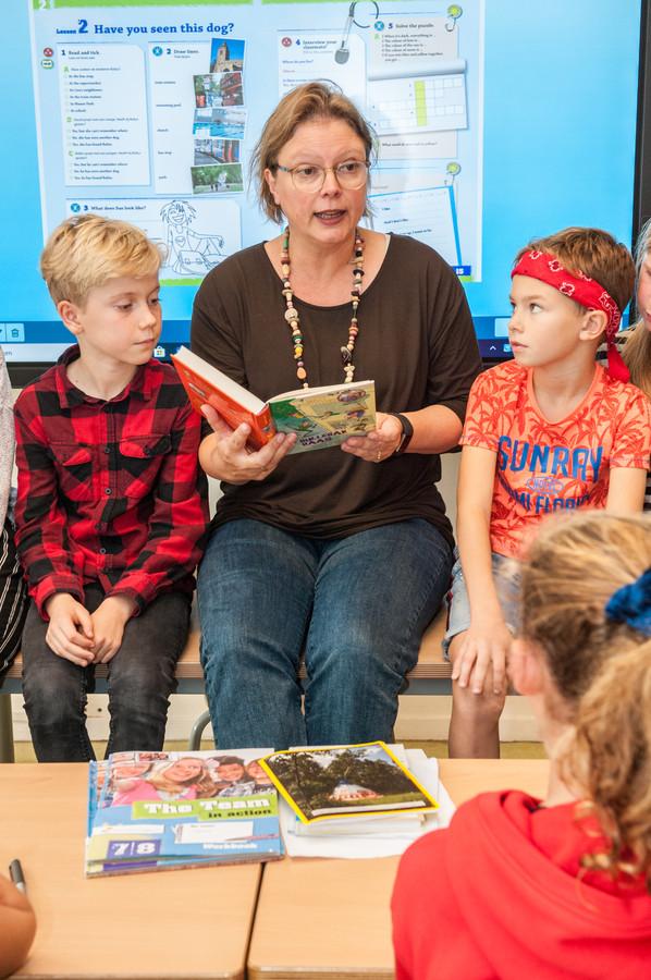Marte Jongbloed maakt furore als kinderboekenschrijfster en is daarnaast juf op de Goudse basisschool De Bijenkorf.