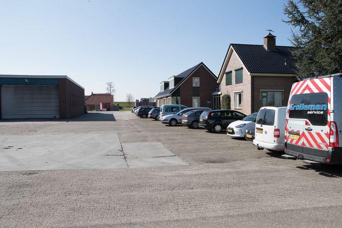 Op het terrein van Grolleman Transport in Herxen is plek voor 16 tot 18 woningen plus zorgvoorzieningen.