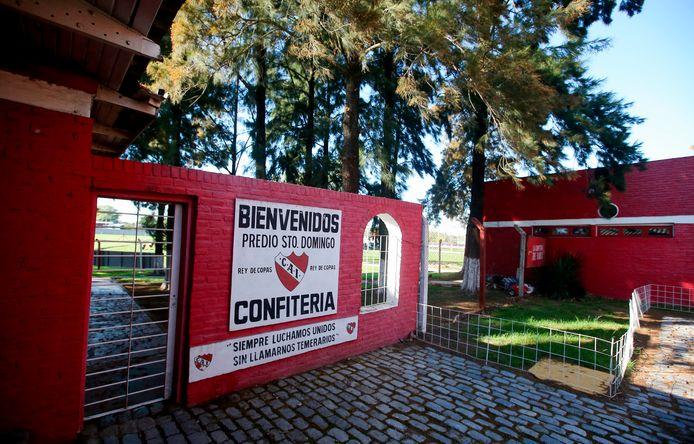 De toegang tot het trainingscentrum van Independiente in de buitenwijken van Buenos Aires.