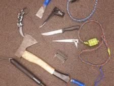 Politie vindt voor de tweede keer wapens op kamer man (19) in zorginstelling in Ermelo