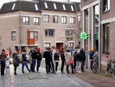 Nu de coffeeshops dicht zijn slaan straatdealers toe, prijzen stijgen hard