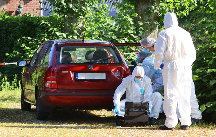 Dode man gevonden in auto in Vlijmen.