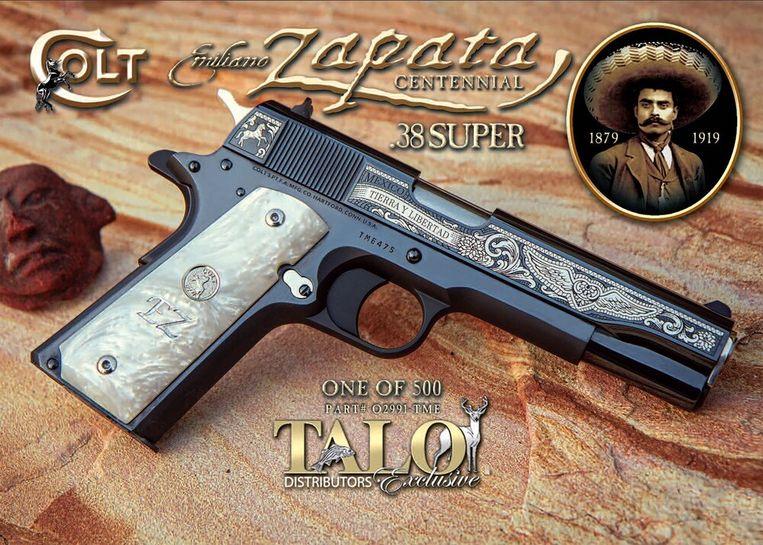 In de aanklacht wordt het voorbeeld aangehaald van een Colt met de beeltenis van Emiliano Zapata, held van de Mexicaanse revolutie. In 2017 werd een journalist uit de noordelijke deelstaat Chihuaha met zo'n wapen doodgeschoten. Beeld .