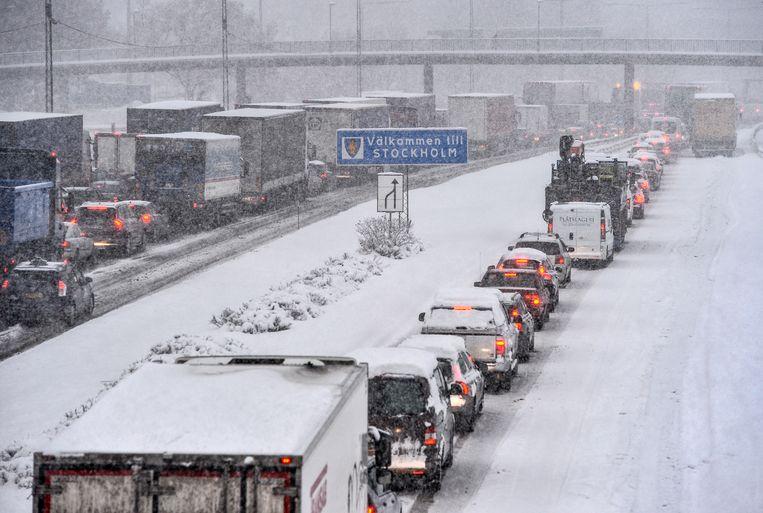 Ook de grote snelwegen waren geblokkeerd. Beeld AP