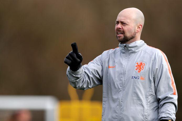 Keeperstrainer Erskine Schoenmakers van de Oranje Leeuwinnen.