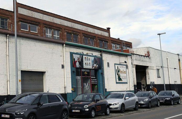 Vera Cruz had jarenlang een vaste stek langs de Vaart in het Marie Thumasgebouw naast de Manhattan Studio's.