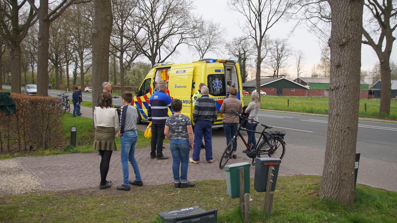 Een e-biker en bestelbus kwamen met elkaar in botsing in Doornspijk.