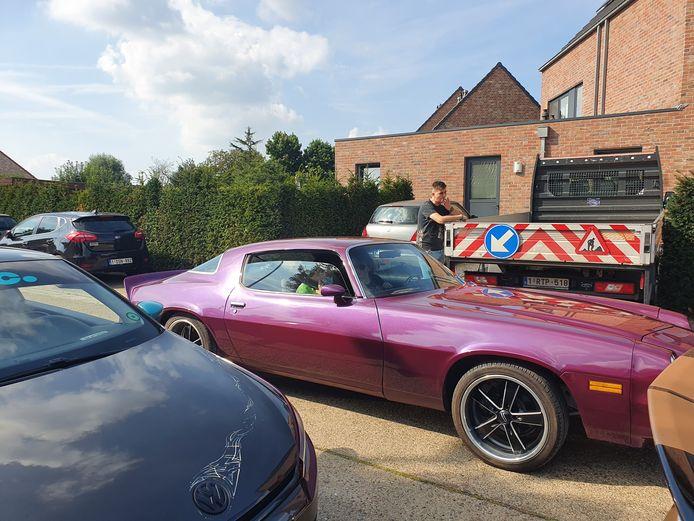De omgeving van café De Nieuwe Buiten was zaterdag de uitvalsbasis voor een rondrit met getunede wagens voor kinderen en volwassenen met een beperking.