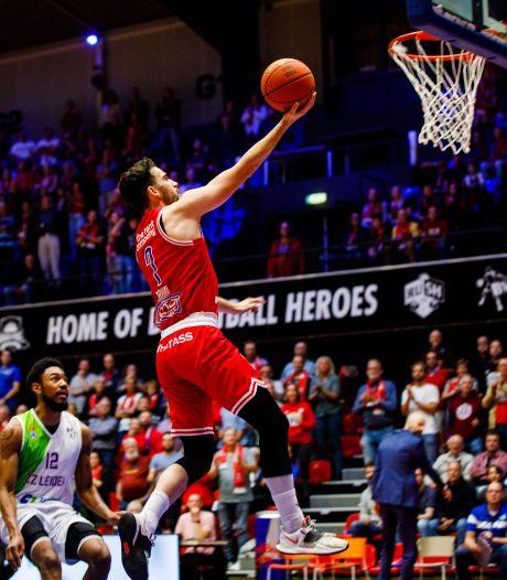 Heroes deelt meteen een tik uit, 'maar dit was nog niet helemaal ons basketbal'