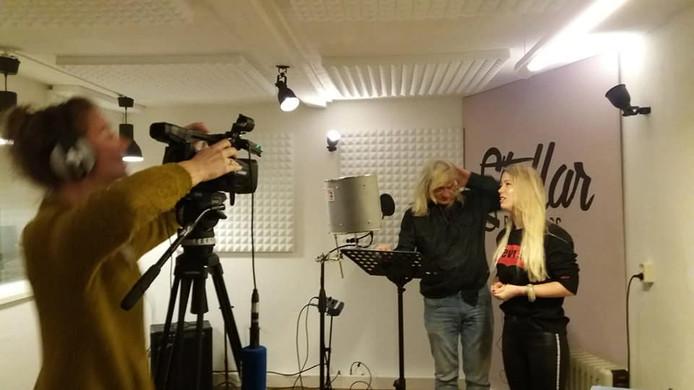 Joop Melléé nam een nummer op met de Enschedese rapster Queen P.