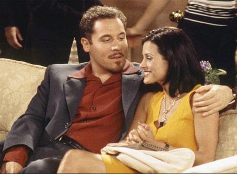Jon Favreau als Pete, het rijke liefje van Monica in 'Friends' Beeld Wikia