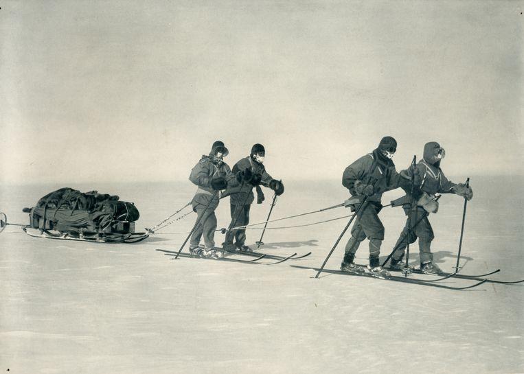 Scott en medereizigers op Antartica tijdens de British Antarctic Expedition in 1912 Beeld Royal Geographical Society