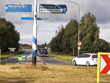 Parallelwegen langs Twenteweg voor landbouwverkeer: Hardenberg trekt de knip