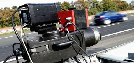 Snelheidsduivel (23) die met 207 kilometer per uur over A4 raasde moet onbetaald werk gaan doen