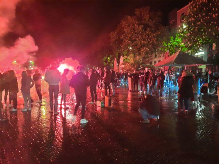 Eerste beelden vanaf De Brink: zang, vuurwerk en feest