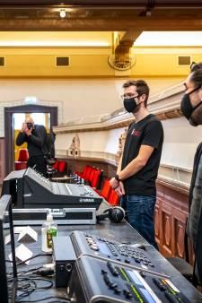 Máxima verrast Nijmegen: koningin spreekt met zwaar geplaagde cultuursector over coronacrisis
