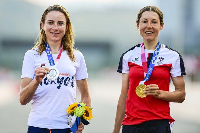 Zilver voor Annemiek van Vleuten, goud voor Anna Kiesenhofer.