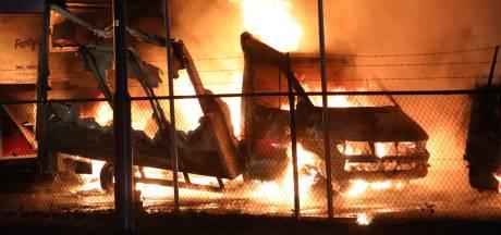 Nu al 18 autobranden in 2019 in Oss: 'Niet uit te sluiten dat men verzekering wil oplichten'