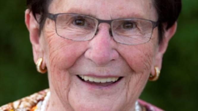 """""""Koken, strijken en kaarten deed ze nog allemaal zelf"""": ongeval op eigen oprit werd Liza (92) fataal"""