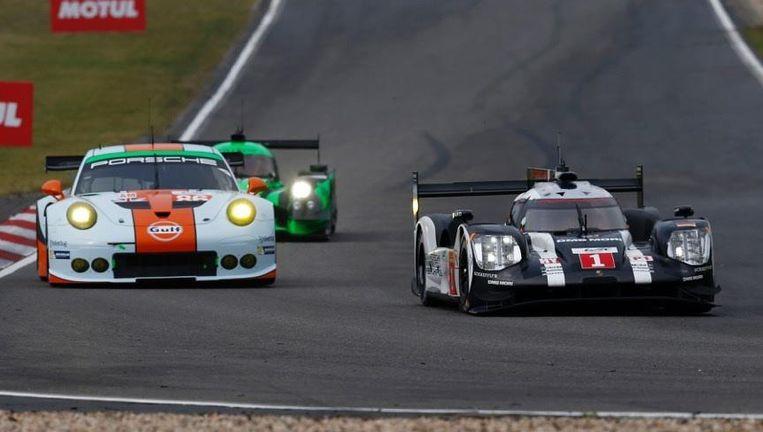 De winnende Porsche met nummer 1. Beeld -