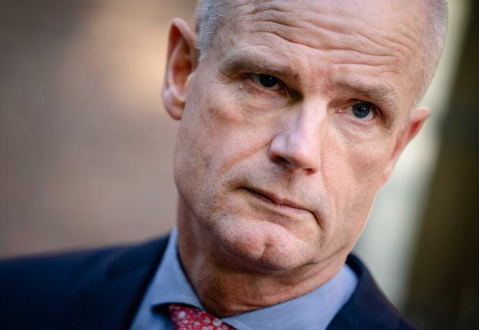 Demissionair Minister Stef Blok van Economische Zaken (VVD) bij aankomst op het Binnenhof voor de wekelijkse ministerraad.