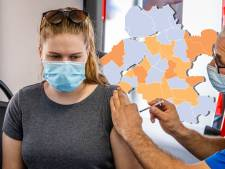 KAART | Dankzij Flevoland noteert Oost-Nederland een stuk minder positieve tests (maar deze gemeente is haar reeks van clean sheets kwijt)