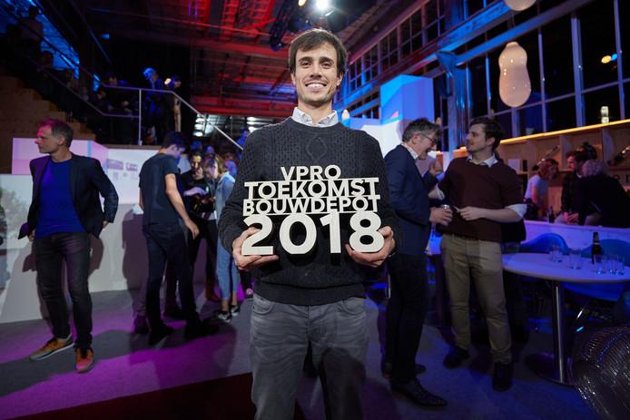 Lex Hoefsloot van Lightyear, een spin off van de TU/e in Eindhoven, heeft de VPRO-prijs 2018 van het tv-programma De Toekomstbouwers gewonnen.