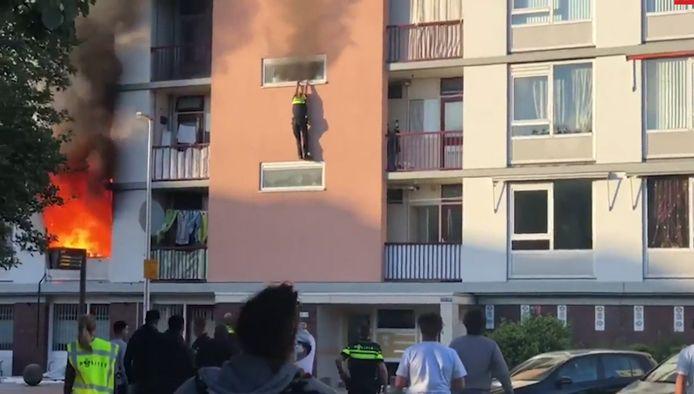 De Marshalllaan in Utrecht, vlak na de explosie die ontstond door de brandstichting in het appartement van Mimoun H. en zijn vrouw.