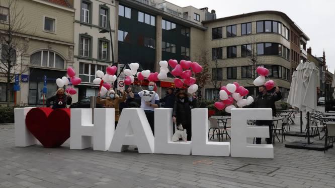 Verenigde Handelaars Halle plaatsen zeven meter lange mobiele constructie 'I LOVE HALLE'