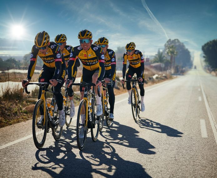 De wielrenners van Jumbo-Visma op trainingskamp in Altea, Spanje.