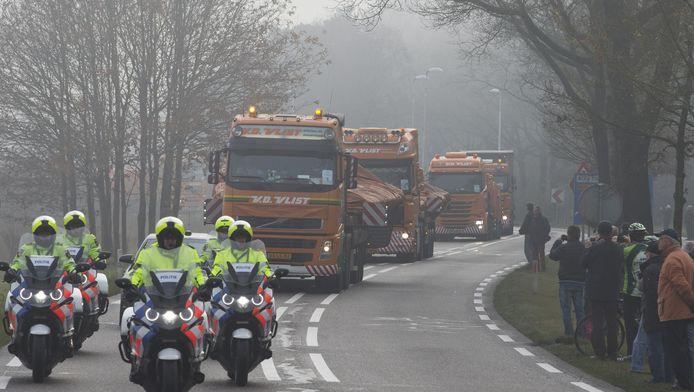 Wrakstukken van het vliegtuig van Malaysia Airlines zijn naar de militaire luchtmachtbasis in Gilze-Rijen gebracht