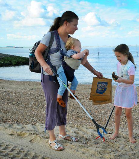 Dankzij Britt (9) is strand Vlissingen weer wat schoner