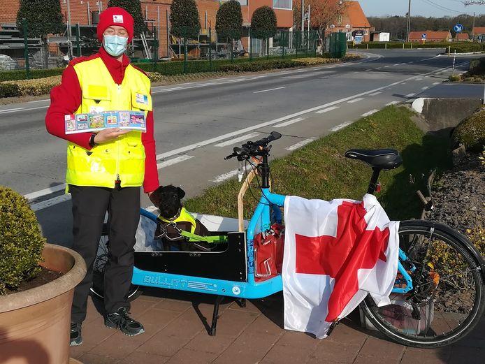 Siska was een van de Diksmuidse vrijwilligers die stickers verkocht.